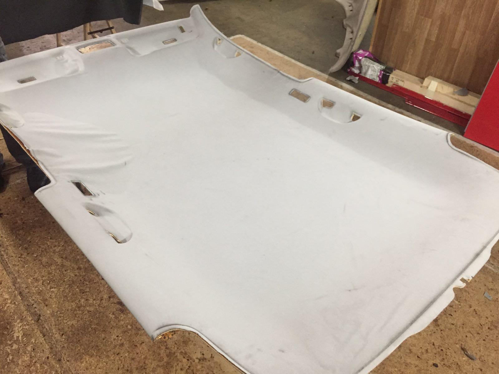 Arreglar techo ca do del coche novedades pro service for Tapiceria para coches en zaragoza