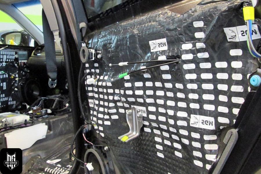Insonorizaci n de las puertas insonorizaci n del coche - Materiales para insonorizar ...